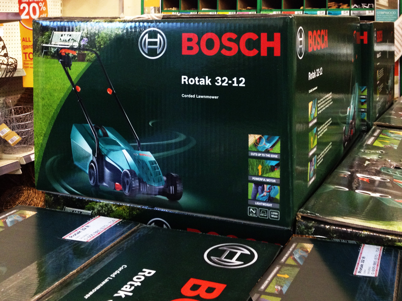 BOSCH-MOWER-PACKAGING-INSTORE